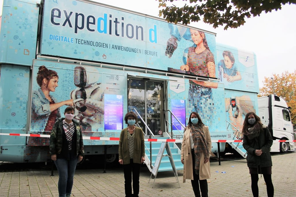 Expedition D Truck